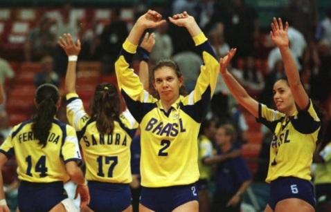 14 de Agosto – Ana Moser - 1968 – 49 Anos em 2017 - Acontecimentos do Dia - Foto 6 - Ana Moser na seleção brasileira de vôlei feminino.
