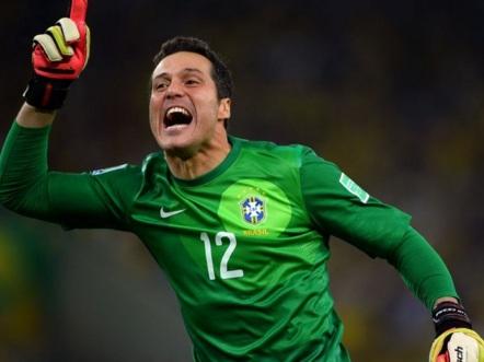 3 de Setembro – 1979 – Júlio César, futebolista brasileiro.