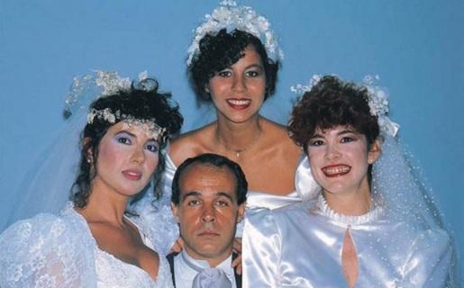 18 de Agosto – Osmar Prado - 1947 – 70 Anos em 2017 - Acontecimentos do Dia - Foto 13 - Tabaco (Osmar Prado) e suas três mulheres em 'Roda de Fogo',