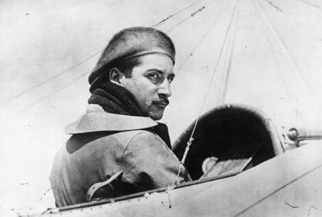 23 de Setembro – 1913 – Roland Garros efetua a primeira travessia do Mediterrâneo em um avião.