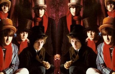 24 de Maio - Bob Dylan com os Beatles, John Lennon, Paul McCartney, Ringo Star e George Harrison, em agosto de 1964.