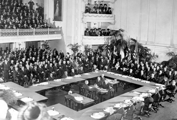 28 de Junho – Tratado de Versalhes (1919).