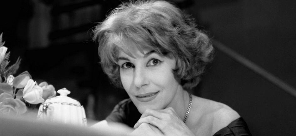 6 de Abril - 1921 — Cacilda Becker, atriz brasileira (m. 1969).