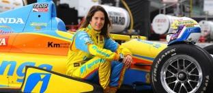 18 de Março - Bia Figueiredo, automobilista brasileira.