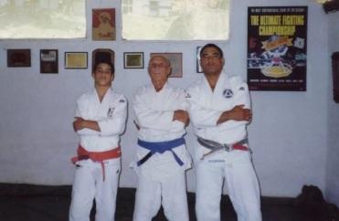 1 de Outubro - Hélio Gracie - 1913 – 104 Anos em 2017 - Acontecimentos do Dia - Foto 8 - Kron, Hélio e Rickson Gracie.