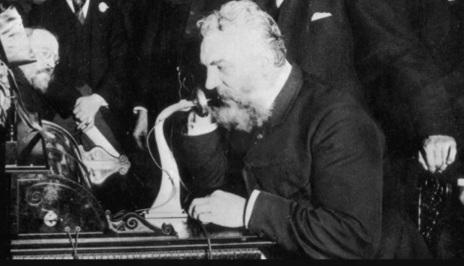 10 de Março - 1876 — Alexander Graham Bell faz a primeira chamada telefônica dizendo - Senhor Watson, venha aqui, eu quero vê-lo.