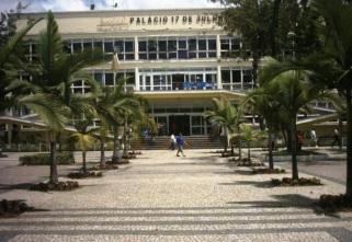 17 de Julho - Palácio 17 de Julho, sede da Prefeitura Municipal, no bairro Aterrado — Volta Redonda (RJ) — 63 Anos em 2017.