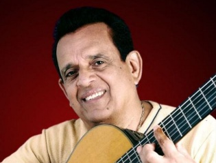 8 de Agosto – 1930 – Evaldo Gouveia, compositor, cantor e violonista brasileiro.