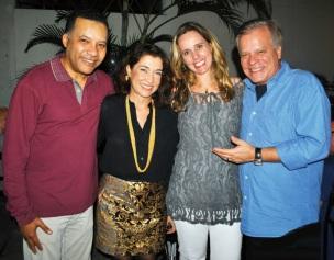 1 de Setembro – Heraldo Pereira - 1961 – 56 Anos em 2017 - Acontecimentos do Dia - Foto 16 - Heraldo Pereira com a esposa Cecília Maia, Leda Rielli e Chico Pinheiro.