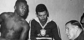 16 de Maio - 1925 – Nilton Santos, futebolista brasileiro (m. 2013) - com Pelé, jovens.