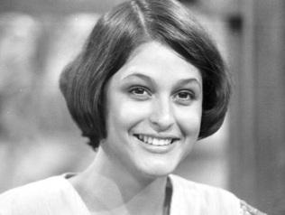 8 de Outubro - 1960 - Simone Carvalho, atriz brasileira.