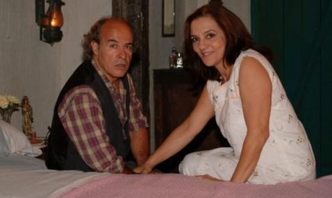 18 de Agosto – Osmar Prado - 1947 – 70 Anos em 2017 - Acontecimentos do Dia - Foto 21 - Osmar Prado e Denise Del Vecchio são Margarido e Dona Mocinha, respectivamente, em 'Chocolate