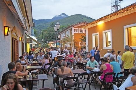 3 de Setembro – Restaurantes e bares — Ilhabela (SP) — 212 Anos em 2017.