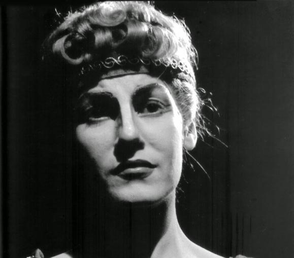 6 de Abril - 1921 - Cacilda Becker - atriz brasileira (m. 1969).
