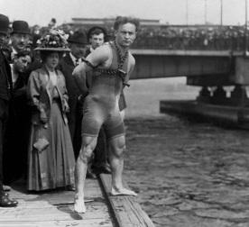 24 de Março - Harry Houdini - ilusionista húngaro