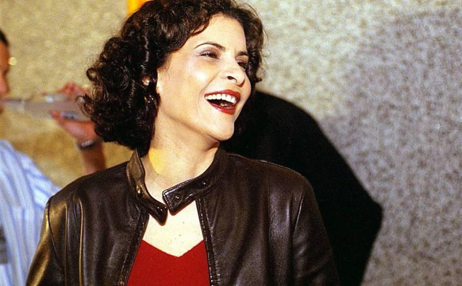 A cantora Marina Lima na cerimônia de entrega do prêmio 7º VMB (Video Music Brasil), da MTV, em 2001