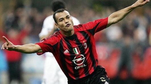 7 de Junho - 1970 – Cafu, ex-futebolista brasileiro - lateral direito, campeão do mundo - no Milan.