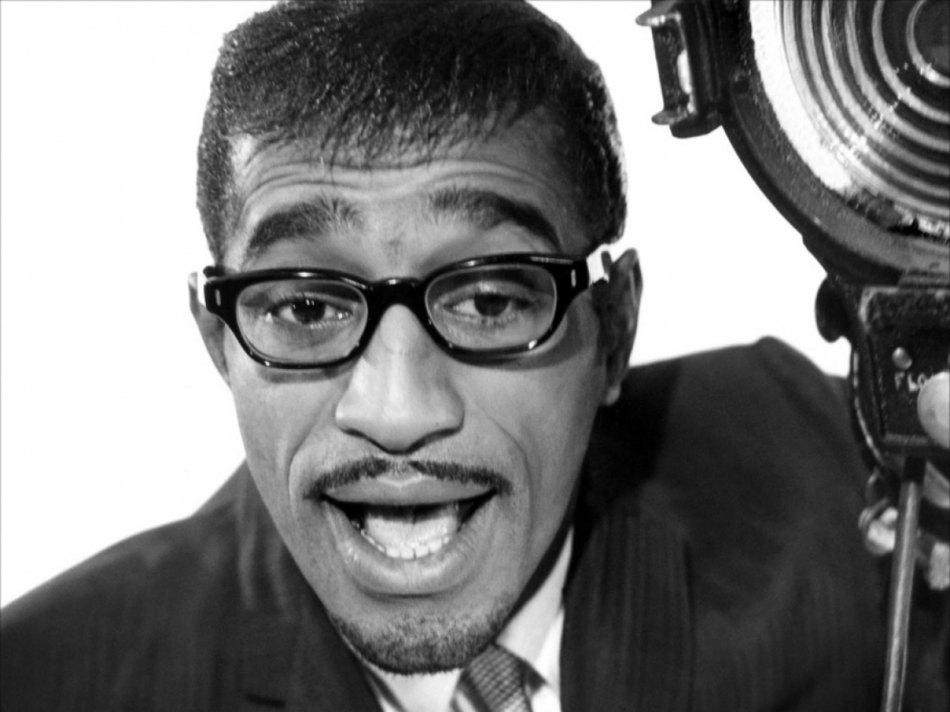 16 de maio - Sammy Davis, Jr., cantor, ator e comediante estadunidense