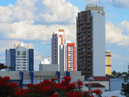 18 de Setembro – Modernos edifícios no bairro Santa Mônica — Feira de Santana (BA) — 184 Anos em 2017.
