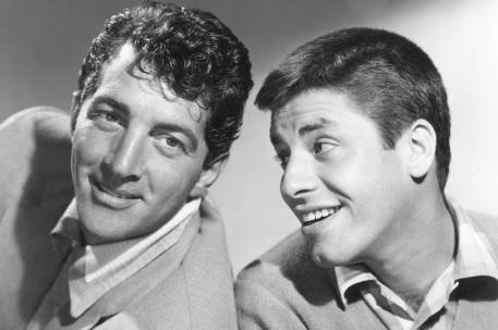 24 de Julho - 1946 – Dean Martin e Jerry Lewis se apresentam pela primeira vez como dupla no Club 500, em Atlantic City.