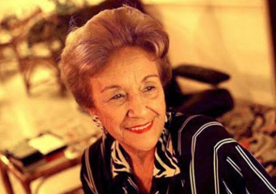 28 de Abril - 1931 – Nair Bello, atriz brasileira (m. 2007).