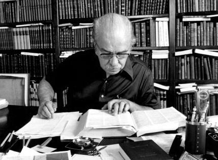 3 de Maio - 1910 – Aurélio Buarque de Hollanda Ferreira, lexicógrafo, filólogo e ensaísta brasileiro (m. 1989).