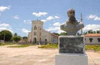30 de Maio - Praça e busto em frente à Catedral Nossa Senhora da Conceição - Conceição do Araguaia (PA) - 120 Anos