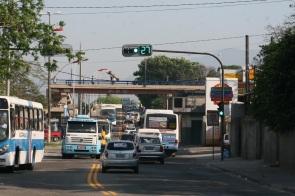 25 de Setembro – Trânsito de veículos na cidade — Mesquita (RJ) — 18 Anos em 2017.