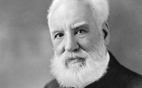 3-de-marco-alexander-graham-bell-inventor-britanico