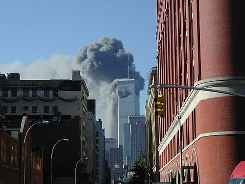 11 de Setembro de 2001 - Ataque contra as Torres Gêmeas do World Trade Center, em Nova Iorque.