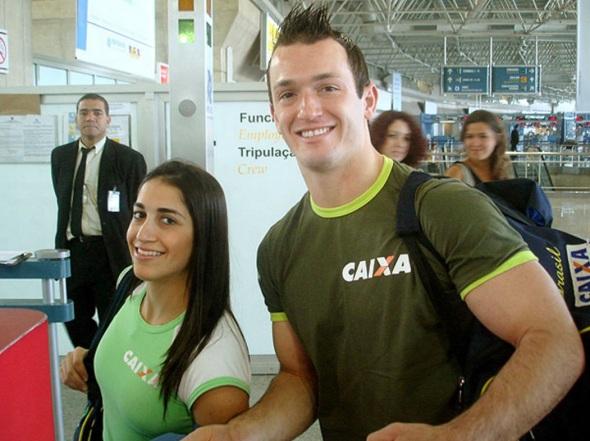 19 de Junho - Daniele e Diego Hypolito embarcaram para a Superfinal, em Madri.