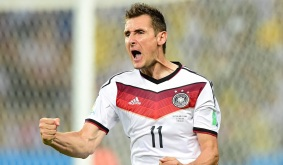9 de Junho - 1978 — Miroslav Klose, futebolista, alemão, de origem polonesa, pela seleção da Alemanha.