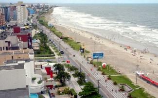 12 de Junho - A orla marítima e o calçadão de Matinhos - A (Cidade) Namorada do Paraná - 50 Anos.