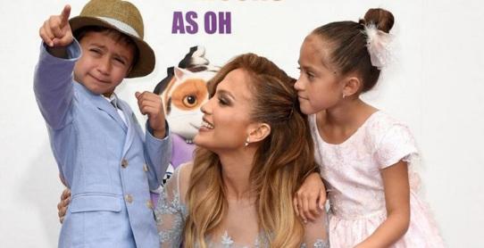 24 de Julho - Jennifer Lopez - 1969 – 48 Anos em 2017 - Acontecimentos do Dia - Foto 6 - Com os filhos.