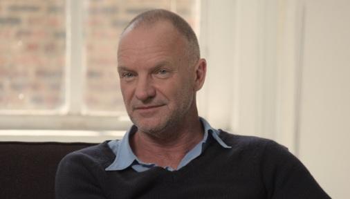 2 de Outubro - 1951 – Sting, baixista, cantor, compositor e ator britânico, co-fundador da banda The Police.