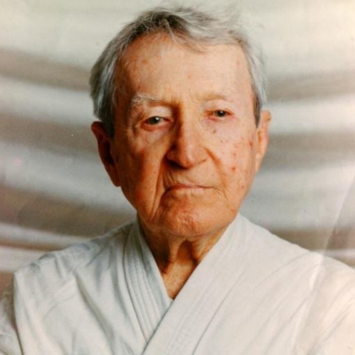 7 de Outubro - 1994 – Carlos Gracie, mestre de jiu-jítsu brasileiro (n. 1902).