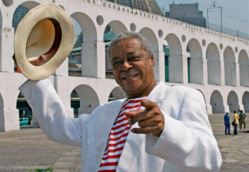 14-de-fevereiro-dicro-cantor-e-compositor-brasileiro