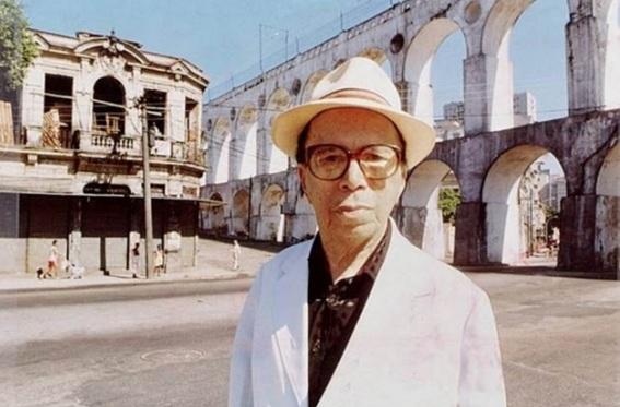 1 de Abril - 1902 — Moreira da Silva, cantor e compositor brasileiro (m. 2000).