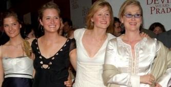 22 de Junho - Meryl Streep com suas três filhas.