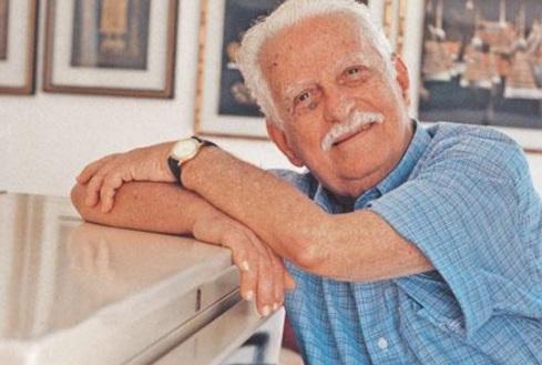 29 de Março - 1907 — João de Barro, compositor brasileiro (m. 2006). Carlos Alberto Ferreira Braga, conhecido como Braguinha e também por João de Barro,