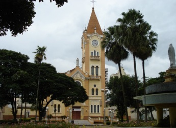 15 de Maio - Monte Alto (SP) - Igreja Matriz.