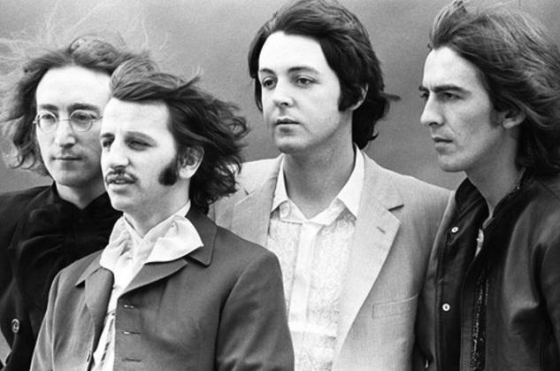 7 de Julho – Ringo Starr (seg. esq.) com seus parceiros da banda 'The Beatles', John Lennon (prim. esq.), Paul McCartney (seg. dir.) e George Harrison (prim. dir.).