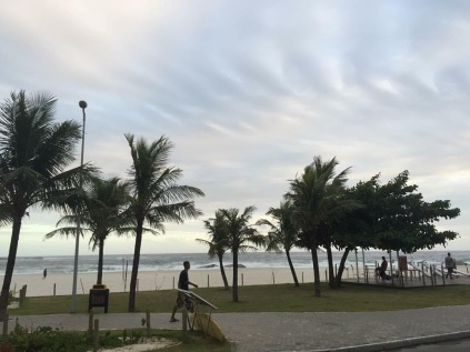 8 de Maio - Saquarema (RJ) — Praia de Itaúna.