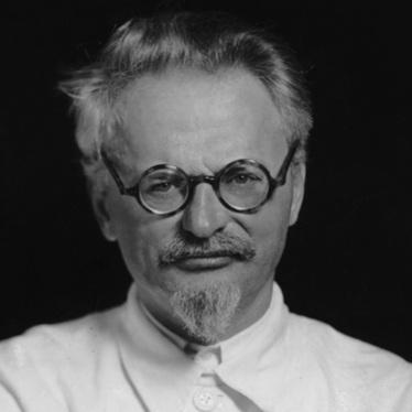 21 de Agosto — 1940 — Leon Trotsky, revolucionário russo (n. 1879).