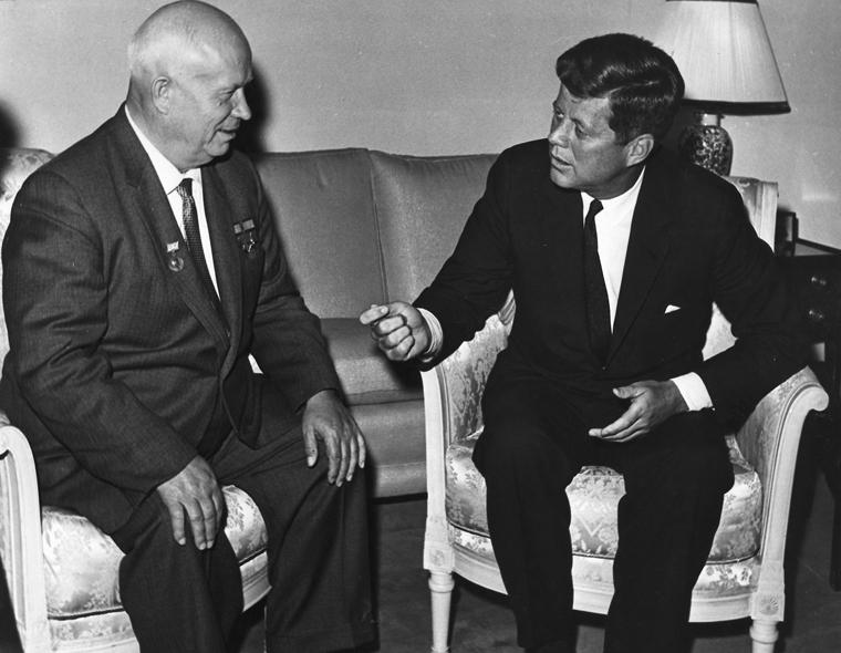 John Kennedy e Nikita Khrushchev em Viena, 1961.
