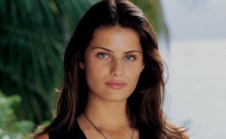 4 de Julho – 1983 – Isabeli Fontana, modelo brasileira.