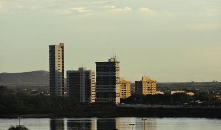 15 de Julho - Rio São Francisco, com prédios ao fundo — Juazeiro (BA) — 139 Anos em 2017.