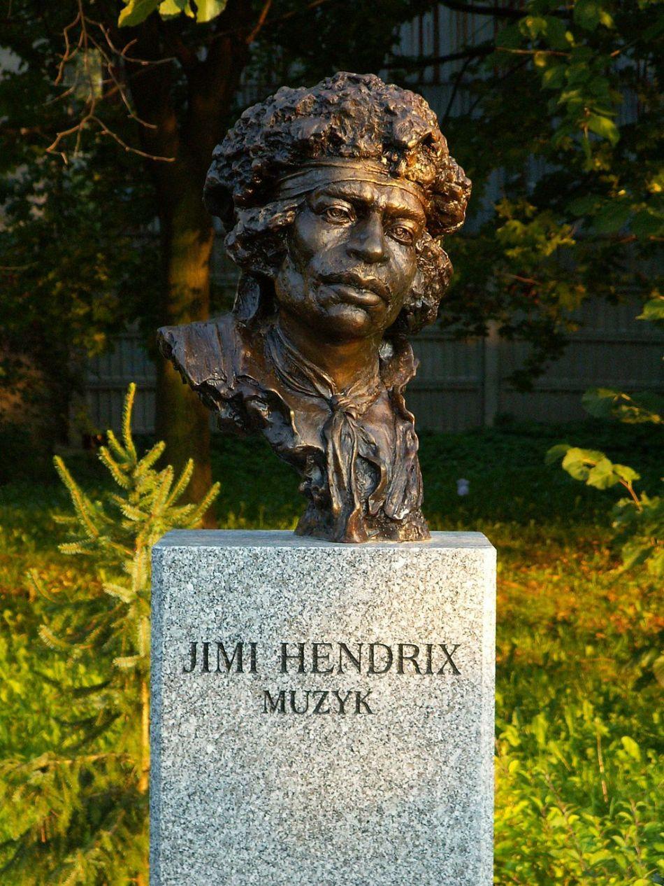 Busto de Jimi Hendrix em Kielce na Polônia.