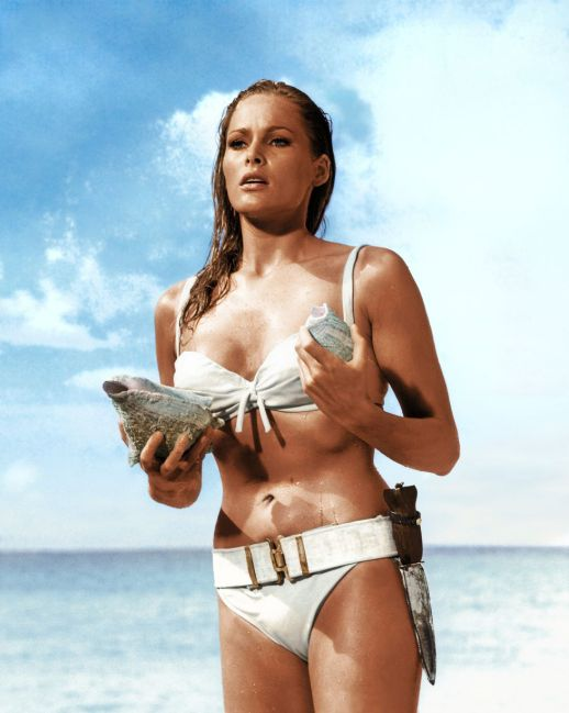 19 de Março - Ursula Andress - atriz suíça.