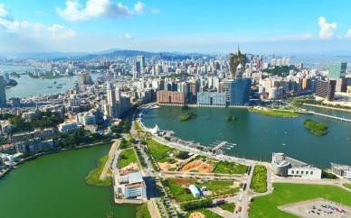 13 de Abril - 1987 — Portugal e China assinam a 'Declaração Conjunta Sino-Portuguesa sobre a Questão de Macau', um acordo sobre a devolução de Macau em 1999 à República Popular